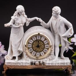 Часы из фарфора Галантная пара Volkstedt, Германия, кон.19 - нач. 20 вв.
