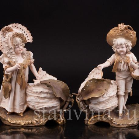 Фарфоровая статуэтка Дети с бутонами лотоса, Австрия, 1897-1906  гг.