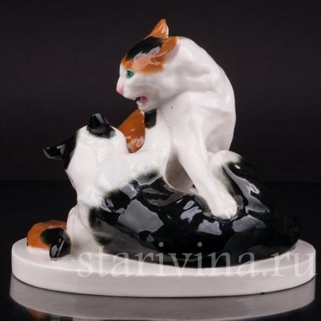 Фарфоровая статуэтка Дерущиеся коты, Schwarzburger, Германия, нач. 20 в.
